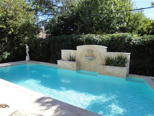 Custom pools houston sugar land pool builder sweetwater for Pool design mistakes